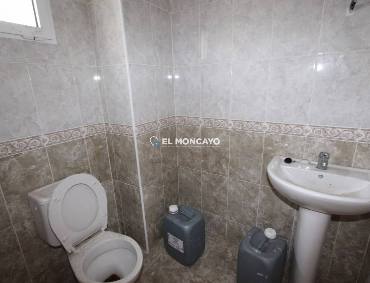 A Vendre - Local commercial - Guardamar del Segura - SUP 7 - Port Sportif