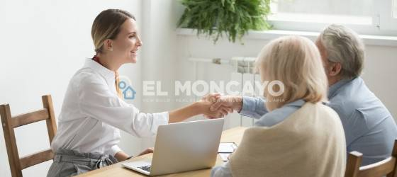 Why should I put myself in the hands of El Moncayo Properties?