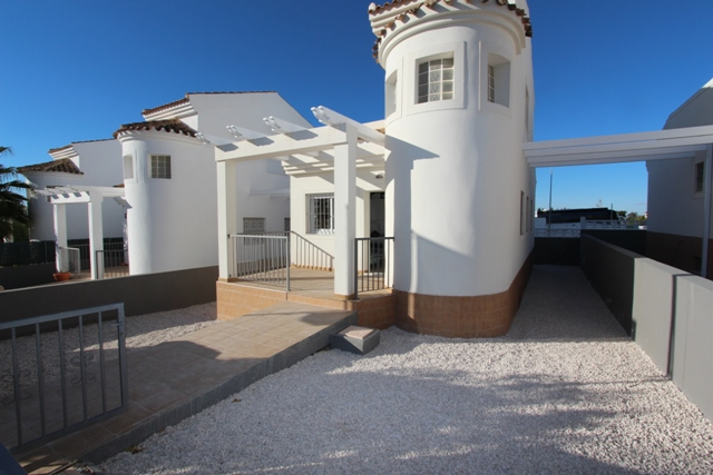 For sale: 3 bedroom house / villa in La Marina
