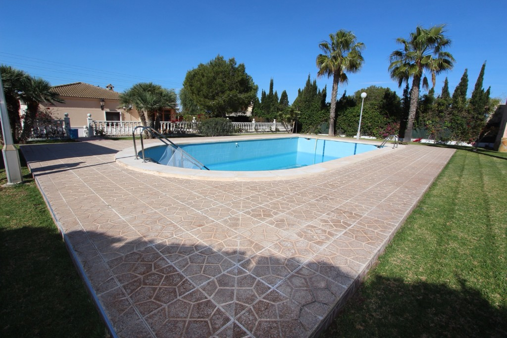 For sale: 4 bedroom finca in Elche