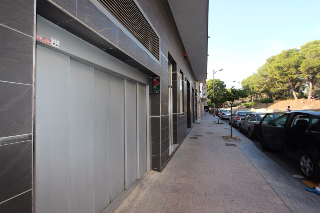For sale: Garage in Guardamar del Segura