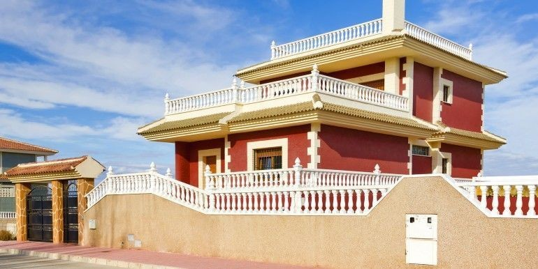 Ref:Emp 4553 Villa For Sale in Torrevieja